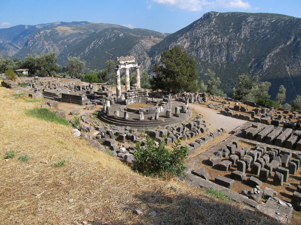 templu antic, Templu antic, Ruine, templul antic, ruinele din, Delfi, munti