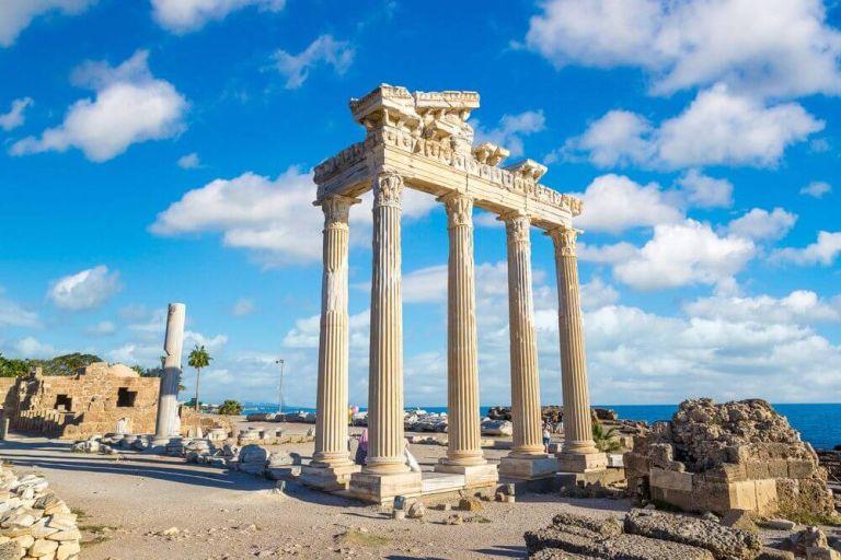 Bodrum, un oraș portuar pe coasta egipteană a Turciei