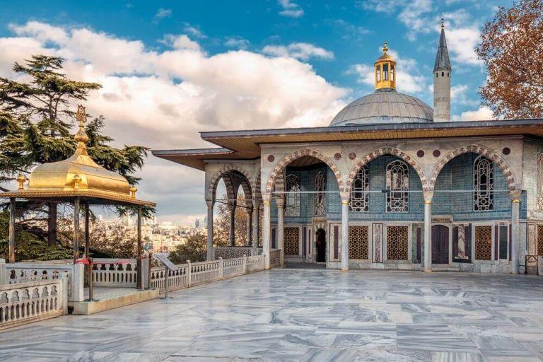 Palatul Topkapi, un obiectiv turistic impresionant al Istanbulului