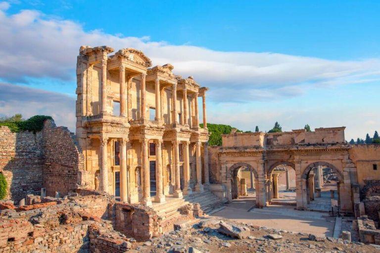 Biblioteca lui Celsus din Efes, construcția impresionantă a Anatoliei
