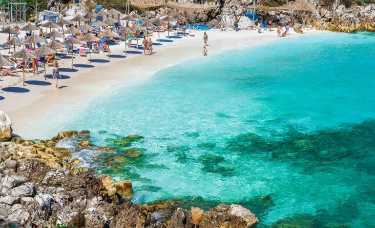 Plaja Marble din Thassos, in topul celor mai frumoase plaje din Grecia