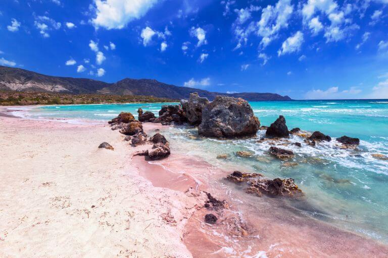 Plaja Elafonissi, una dintre cele mai frumoase plaje din Grecia