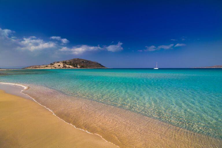 Plaja Simos, un taram magic al insulei Elafonisos