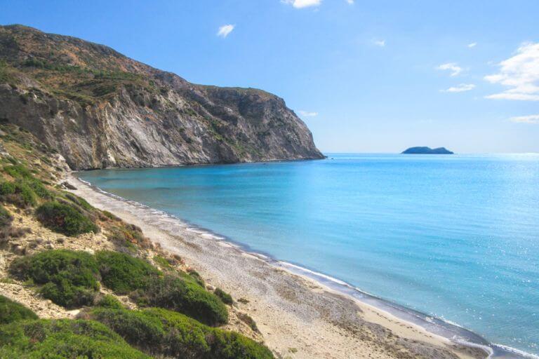 Plaja Kalamaki, printre cele mai populare plaje din Grecia